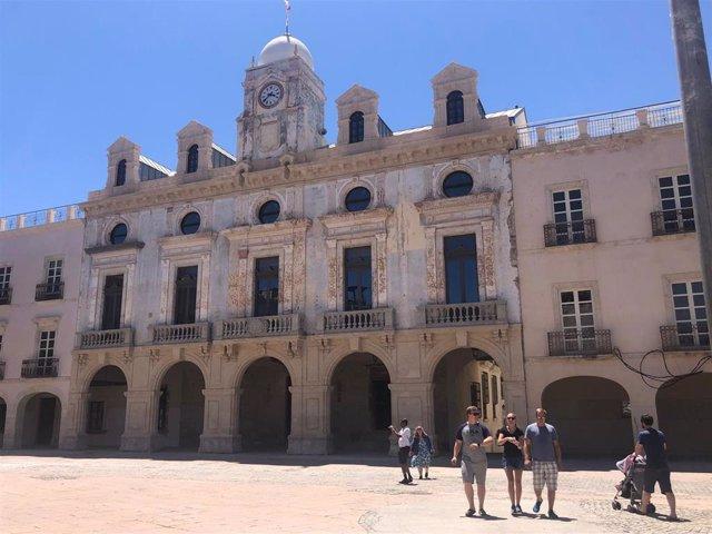 Fachada principal del Ayuntamiento de Almería