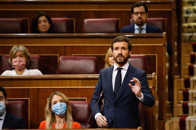 El líder del PP, Pablo Casado, interviene durante la primera sesión de control al Gobierno en el Congreso de los Diputados tras el estado de alarma, en Madrid (España), a 24 de junio de 2020.