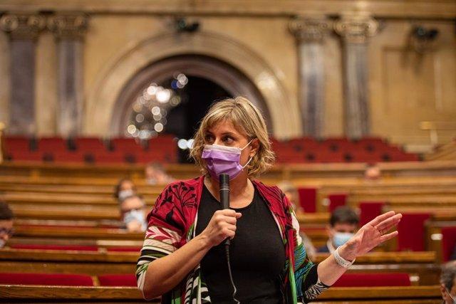 La consellera de Salut de la Generalitat, Alba Vergés, en el ple del Parlament.