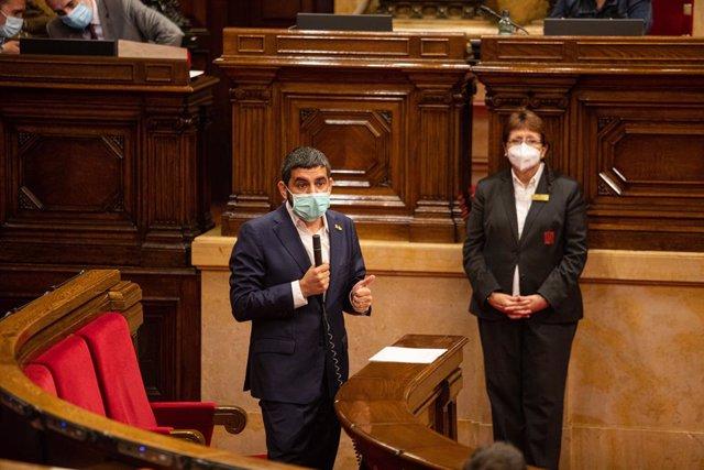 El conseller de Treball, Afers Socials i Famílies de la Generalitat, Chakir el Homrani, en el ple del Parlament del 22 de juliol del 2020.
