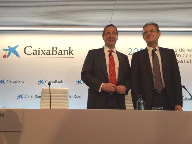 El consejero delegado de CaixaBank, Gonzalo Gortázar, y el presidente, Jordi Gual