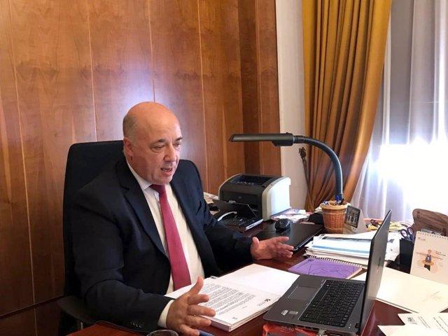 El presidente de la Diputación de Córdoba, Antonio Ruiz, preside el Pleno telemático correspondiente al mes de agosto