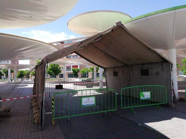 Una de las carpas que se instalaron junto al Centro de Salud Castilla del Pino para realizar pruebas del Covid-19.