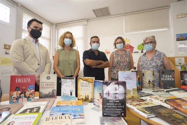 Donación de libros de la Fundación José Manuel Lara