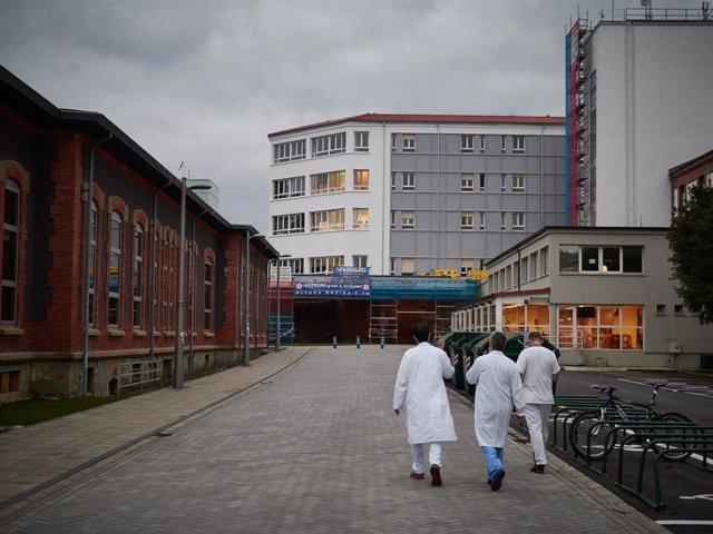 Personal sanitario del Hospital de Navarra durante la cuarta semana de confinamiento por el Estado de Alarma decretado por el Gobierno de España con motivo del coronavirus, COVID-19. En Pamplona, Navarra (España) a 7 de abril de 2020.