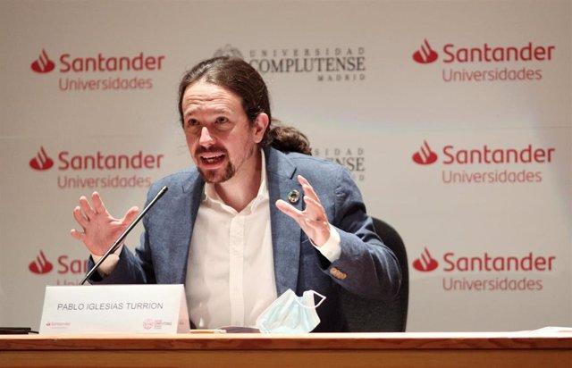 El vicepresidente segundo del Gobierno, ministro de Derechos Sociales y Agenda 2030, Pablo Iglesias en los Cursos de Verano en San Lorenzo de El Escorial