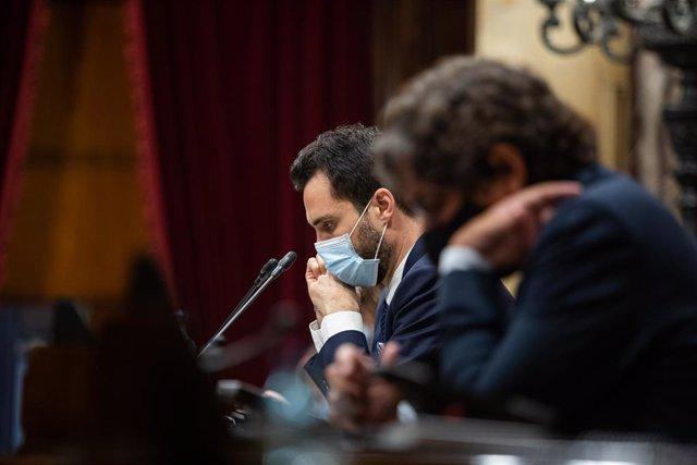 El president del Parlament, Roger Torrent, en un ple de control al Govern marcat principalment per la gestió de la covid-19. Barcelona, Catalunya (Espanya), 22 de juliol del 2020.