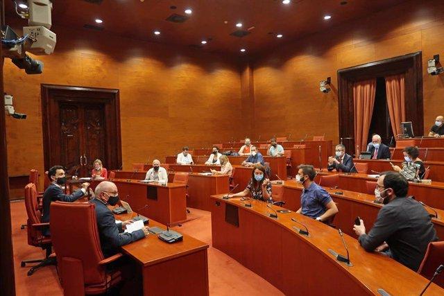 Sesión constitutiva de la comisión de seguimiento de la emergencia climática del Parlament.