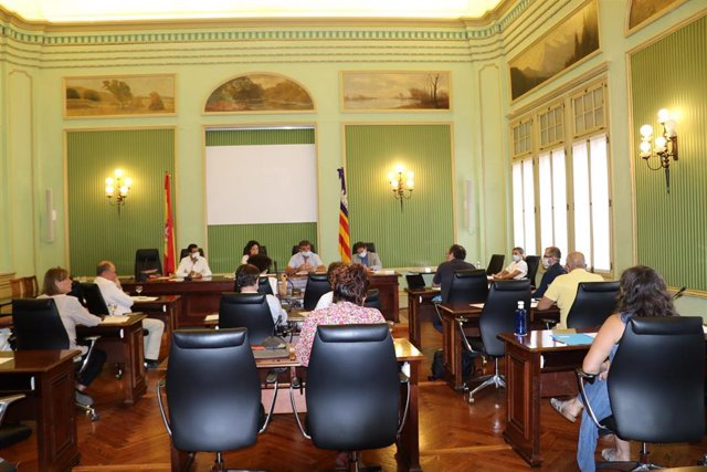 Sesión de la Comisión de Medio Ambiente en el Parlament.