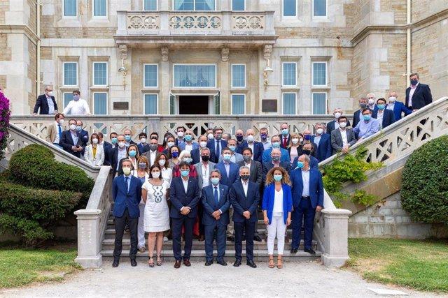 Dirigentes de los puertos del Estado se reúnen en Cantabria
