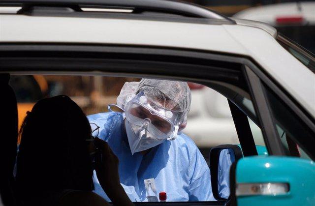 Una prueba de coronavirus en la capital de Italia, Roma