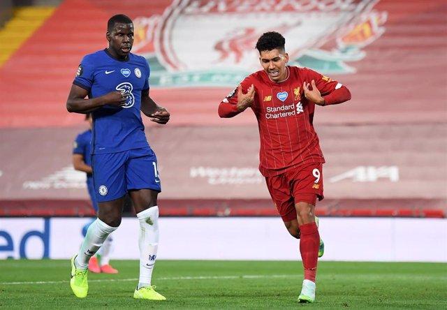 Firmino celebra un gol en el Liverpool - Chelsea