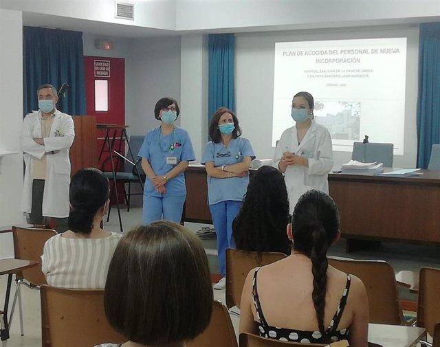 El hospital de Úbeda (Jaén) recibe a los enfermeros que se incorporan en verano