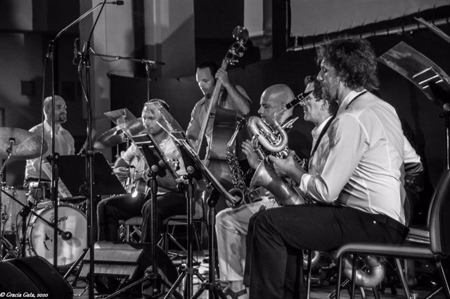 Huelva.- 'Las Tardes del Foro' ofrece el sábado un concierto de swing de la mano