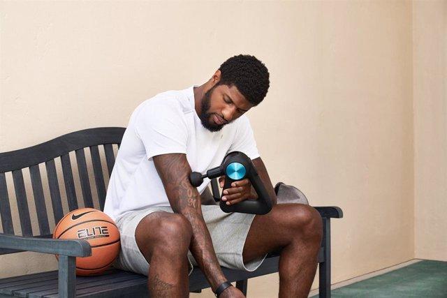 Baloncesto/NBA.- Paul George, de los Clippers, prepara con Therabody el regreso