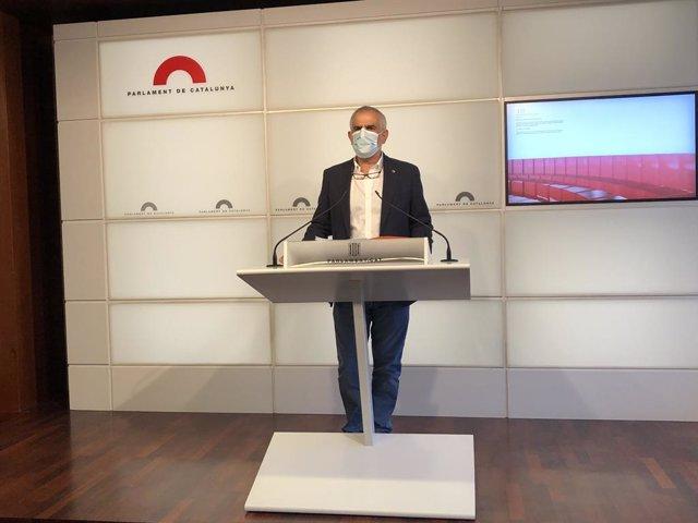 El president del Grup de Ciutadans al Parlament, Carlos Carrizosa, en una conferència de premsa a la cambra aquest dijous 23 de juliol