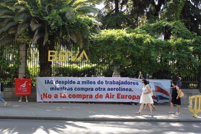 Protestas contra los despidos de BA y contra la compra de Air Europa por parte de Iberia.