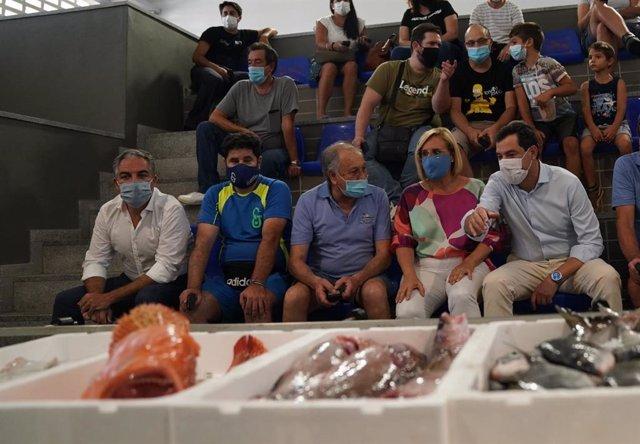 Moreno incide en el compromiso de la Junta con la pesca y la defensa del sector