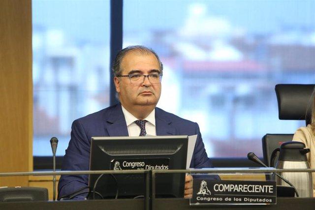 El expresidente del Banco Popular Ángel Ron comparece en la Comisión de Investigación del Congreso acerca de la crisis financiera en España y el programa de asistencia