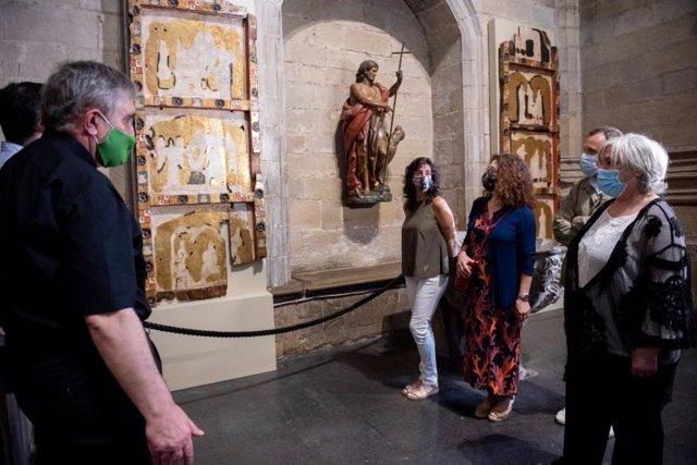 Restaurados dos paneles del primitivo retablo tabernáculo de la iglesia de Santiago el Real de Logroño