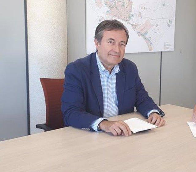 """Cort pide a la Autoridad Portuaria avanzar en la limitación de cruceros para evitar que Palma sea """"un parque temático"""""""