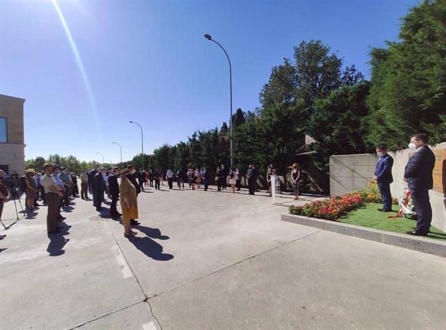 Homenaje municipal a las víctimas de la COVID celebrada en Salamanca.