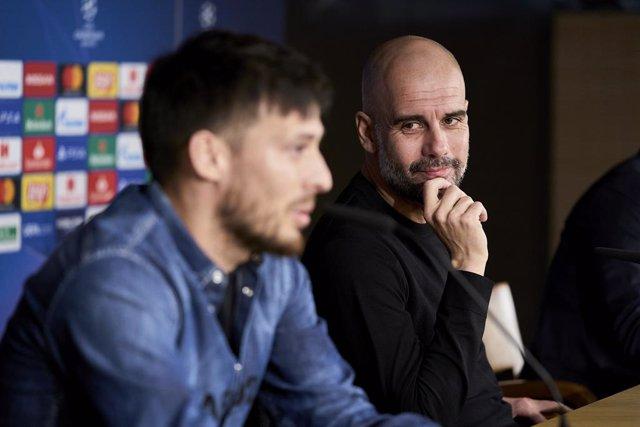 """Fútbol.- Guardiola: """"No he visto a nadie moverse entre líneas como David Silva"""""""