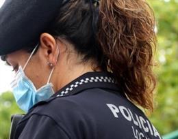 Imagen de archivo de una agente de la Policía Local de València