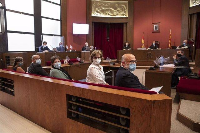 Judici al Tribunal Superior de Justícia de Catalunya contra els exmembres de la Mesa del Parlament Anna Simó (ERC), Ramona Barrufet, Lluís Corominas i Lluís Guinó (JxSí), i l'exdiputada de la CUP Mireia Boya, 21 de juliol del 2020.