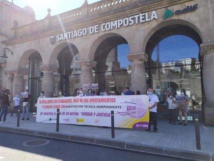 Las víctimas del Alvia protestan para pedir que no se olvide el accidente y exigir una investigación independiente