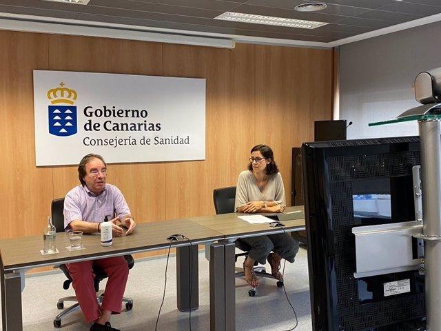 El jefe de sección de Epidemiología y Prevención del Servicio Canario de Salud (SCS), Amós García, y la especialista en Medicina Preventiva del SCS Eva Álvarez