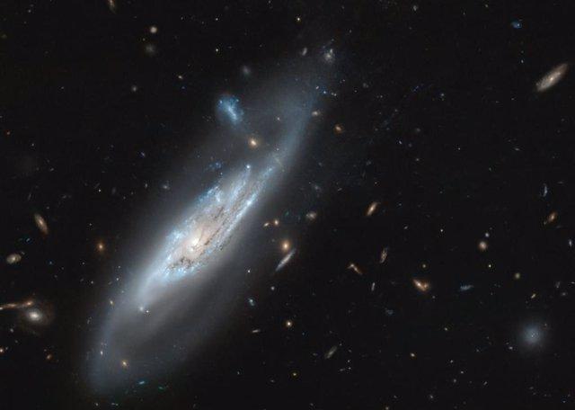 El telescopio Hubble capta una galaxia fantasmal