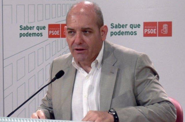 """El PSOE-A exige a la Junta que investigue """"presunto fraude en las adjudicaciones"""