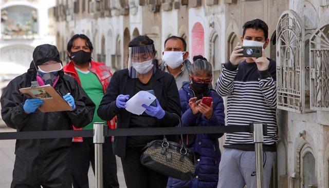 Coronavirus.- Perú supera los 375.000 casos de coronavirus con más de 4.800  positivos en el último día
