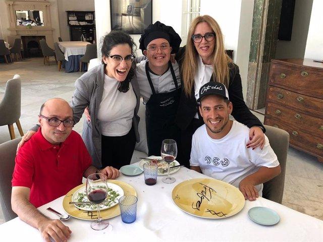 Cádiz.- Juan Manuel Montilla 'El Langui' y el ganador del Goya Jesús Vidal visit