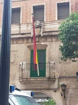 Escudo franquista en un cuartel
