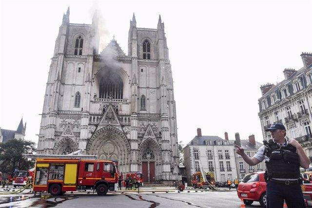 Incendi en la catedral de Nantes