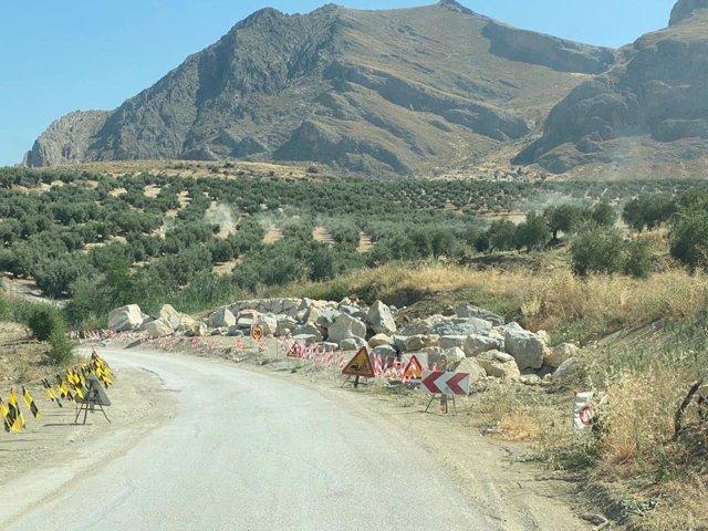 Obras de la carretera de Bedmar al paraje de Cuadros