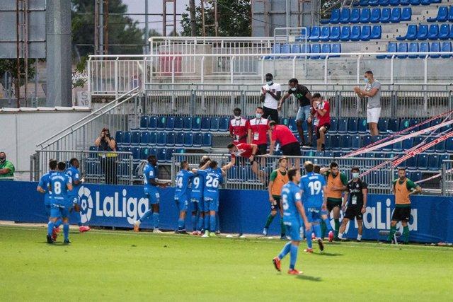 Fútbol.- La plantilla del Fuenlabrada exige jugar contra el Dépor y pide al club