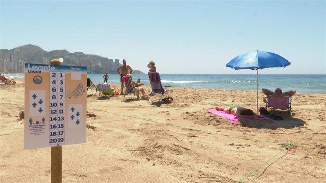 Imagen de una playa de Benidorm (Alicante)