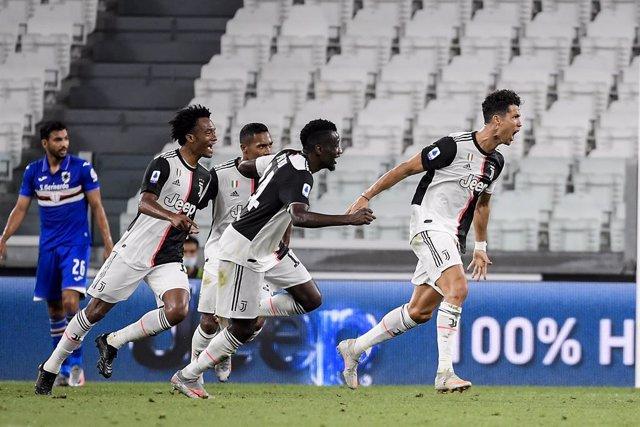 Fútbol/Calcio.- (Crónica) La Juventus levanta su noveno Scudetto seguido