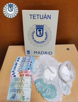 Droga y dinero intervenido por Policía Municipal de Madrid tras detener en Tetuán a un hombre.