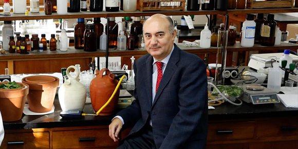 3. El químico Gabriel Pinto Cañón, galardonado con el Premio COSCE a la Difusión de la Ciencia 2020