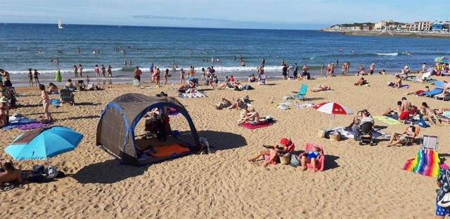 Playa de San Lorenzo, en Gijón, este pasado sábado