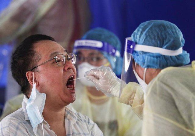 Test del coronavirus en Hong Kong