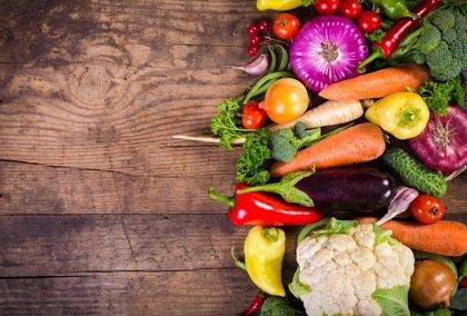 Las dietas basadas en vegetales reducen la presión arterial, aunque se consuma carne o lácteos