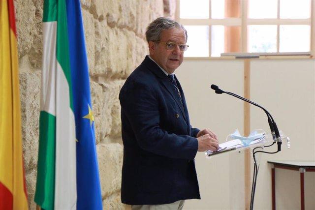 Salvador Fuentes en la rueda de prensa.