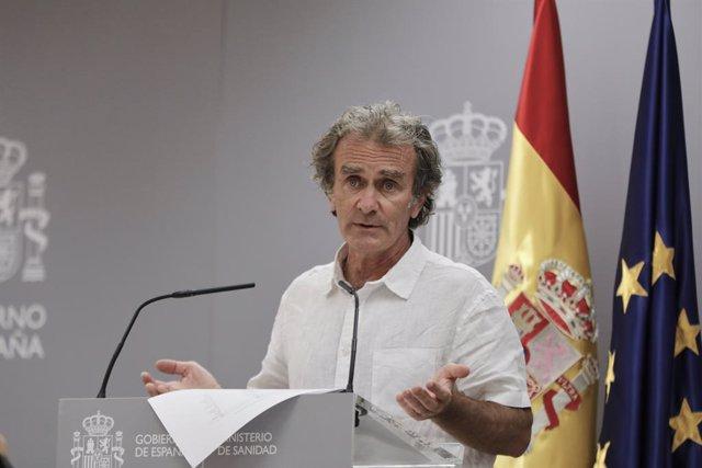 El director del Centre de Coordinació d'Alertes i Emergències Sanitàries (CCAES), Fernando Simón, durant una roda de premsa per informar de l'evolució de la COVID-19, en el Ministeri de Sanitat, a Madrid (Espanya), a 27 de juliol de 2020.