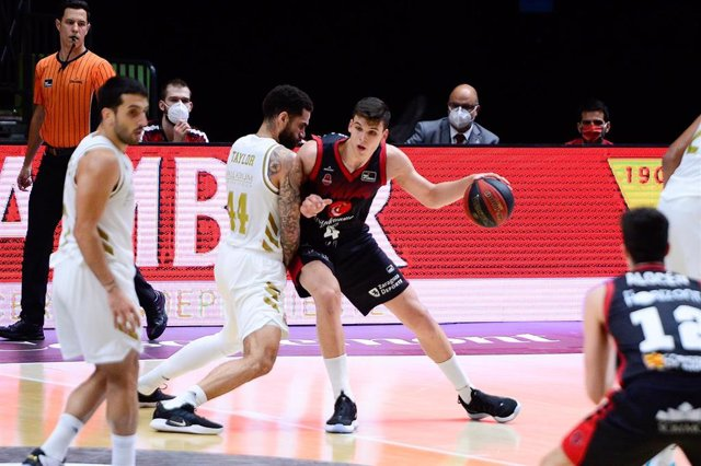 El nuevo jugador del Valencia Basket Jaime Pradilla, en un partido del Casademont Zaragoza contra el Real Madrid en la Fase Final de la Liga Endesa 2020