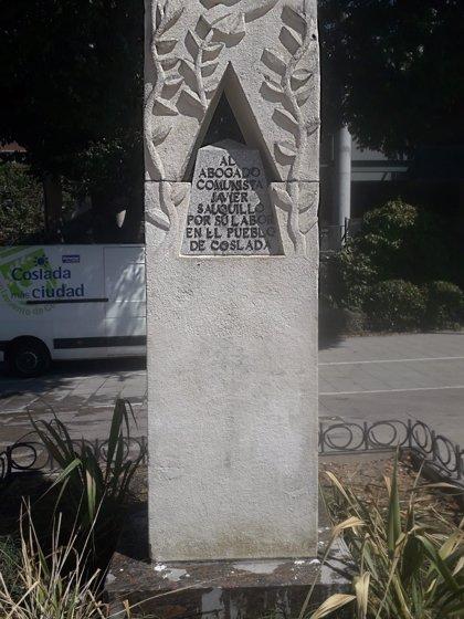 El monumento a los 'Abogados de Atocha' en Coslada (Madrid) sufre pintadas con esvásticas y mensajes neonazis